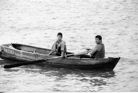 Padre e Hijo en el Danubio, Braila, 2001