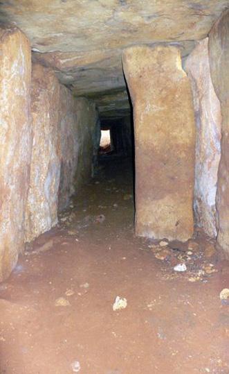 6.Recorrido del dólmen desde la cámara funararia