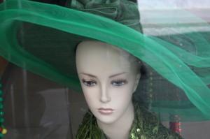 maniquí con sombrero verde LGV 2008