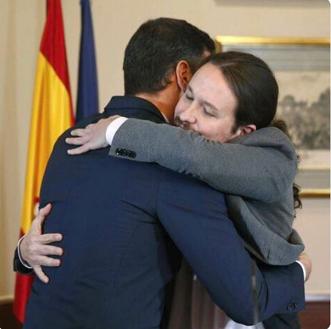 el abrazo (Foto Cañas)
